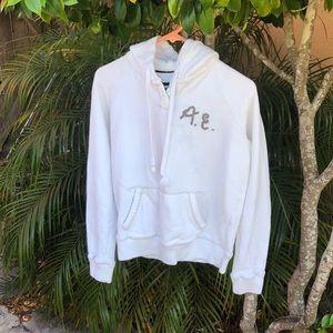American Eagle White Sweatshirt